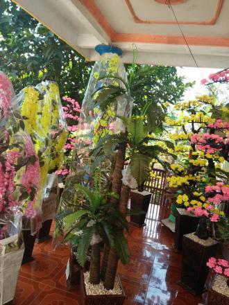 Kerajinan bunga plastik
